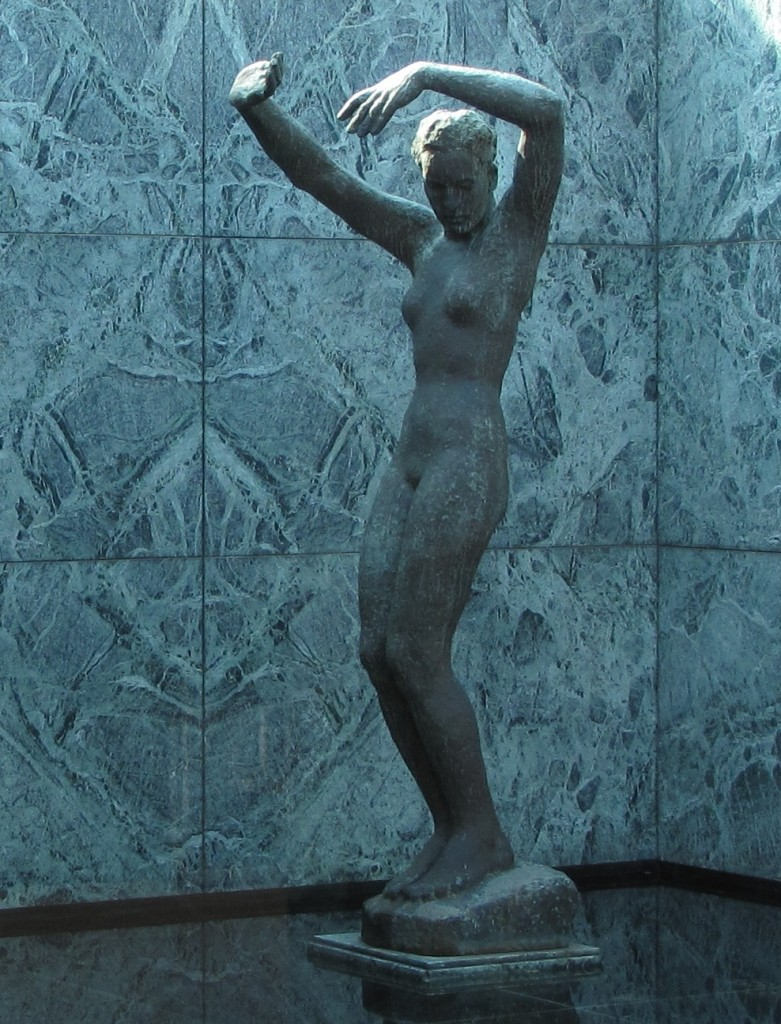 mujer estatua